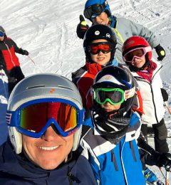 Roberto Teaching Kids Ski Groups